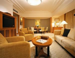Four Seasons Shanghai Hotel at Puxi (16 of 65)