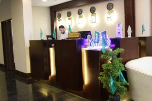 Madar Suites, Apartmanhotelek  Yanbu - big - 27