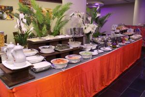 Madar Suites, Apartmanhotelek  Yanbu - big - 54