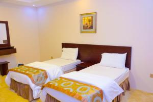 Madar Suites, Apartmanhotelek  Yanbu - big - 43