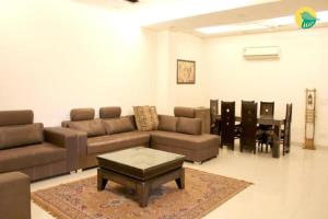 3-BR apartment near Siri Fort