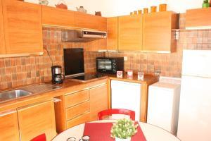 Appartement Le Chantilly 6, Apartmány  Cagnes-sur-Mer - big - 6