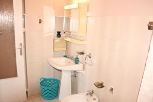 Appartement Le Chantilly 6, Apartmány  Cagnes-sur-Mer - big - 8