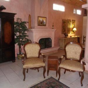 Casita Montana Hotel and Suites