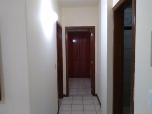 Apto Aconchegante na Avenida de Bombas 60 metros do Mar!, Apartmanok  Bombinhas - big - 3