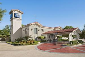 Baymont Inn and Suites Longview