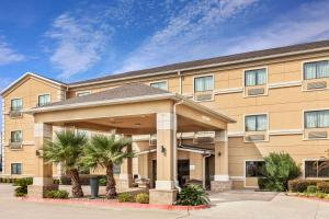Baymont by Wyndham Tyler, Hotels  Tyler - big - 1