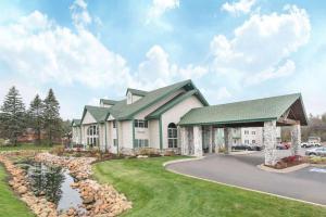 Baymont Inn and Suites Baxter
