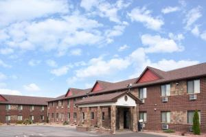 Baymont Inn and Suites Eau Claire
