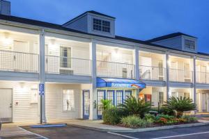 Baymont Inn and Suites - Valdosta