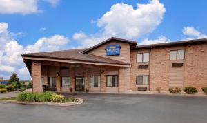 Baymont Inn and Suites Battle Creek Downtown