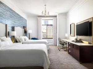 Grand Deluxe Room with Two Double Beds – Union Square View