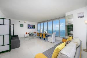 2B/2B Exquisite Waterview 00829, Apartments  Miami - big - 20