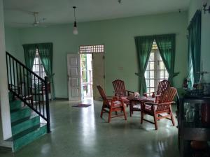 Volunteer House, Проживание в семье  Nakandalagoda - big - 10
