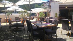 T2 Les Restanques de St Tropez, Апартаменты  Гримо - big - 41