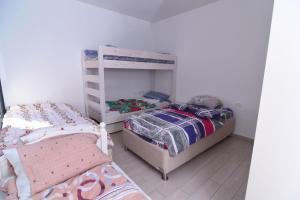 Shukenyon, Apartmány  Jeruzalem - big - 8