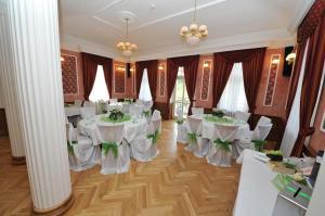 Hotel Zamek Berchtold, Hotely  Strančice - big - 81