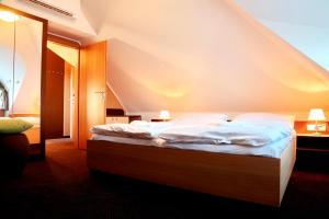 Hotel Zamek Berchtold, Hotely  Strančice - big - 119