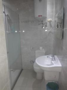Sidi Bishr Furnished Apartments - Adnan Madnei 1 (Families Only), Apartmány  Alexandria - big - 74