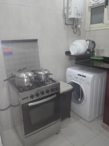 Elsraya Studios and Apartments (Families Only), Apartmanok  Alexandria - big - 70