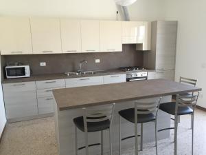 Comoda posizione, per 5-TERRE, PortoVenere, Lerici, Appartamenti  La Spezia - big - 1