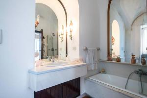 Villa Bianca, Vily  Capri - big - 42