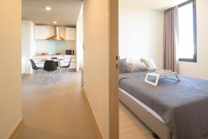 Mattani Suites, Апартаменты  Бангкок - big - 29