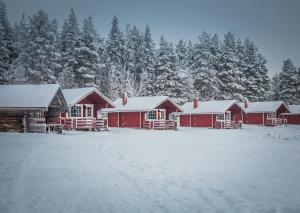 Korvala's Red Log Cabins