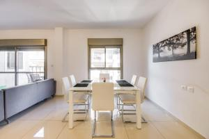 Cozy and Modern 3BR, Apartmány  Jeruzalém - big - 10