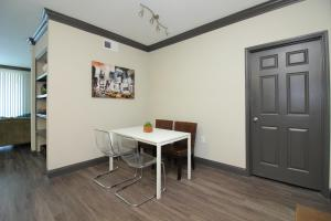 Midtown Modern Luxury B4, Apartmanok  Houston - big - 25