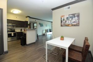 Midtown Modern Luxury B4, Apartmanok  Houston - big - 27
