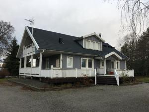 Detached house in Laitila, Väkkäräntie 322 (ID 9926)
