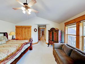 Immaculate Sunriver Resort Home Home, Дома для отпуска  Sunriver - big - 2