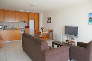 Ambelones Apartments, Апартаменты  Писсури - big - 56