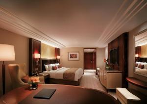 Deluxe Kamer met Kingsize Bed en Zijdelings Uitzicht op de Haven