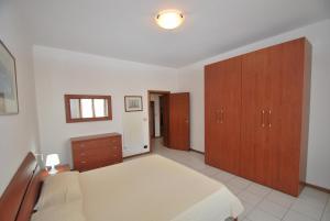 La Piazzetta, Апартаменты  Кампо-нель-Эльба - big - 9
