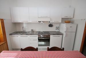 La Piazzetta, Апартаменты  Кампо-нель-Эльба - big - 12