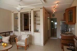 Ambelones Apartments, Апартаменты  Писсури - big - 79