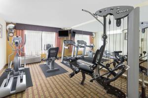 Ramada by Wyndham Asheville Southeast, Hotels  Asheville - big - 30