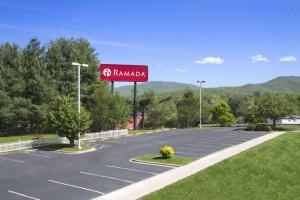Ramada by Wyndham Asheville Southeast, Hotels  Asheville - big - 32