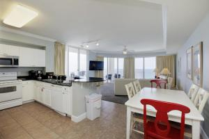 Three Bedroom Apartment with Gulf View - 1717