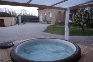 B&B Vassy Etaule, Bed & Breakfast  Avallon - big - 96