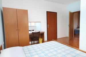 Apartment Sukosan 5799b, Apartmány  Bibinje - big - 7