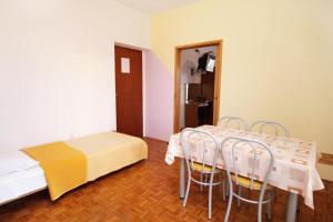 Apartment Sukosan 5799a, Apartmány  Bibinje - big - 8