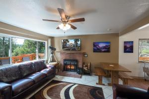 Voyager, Holiday homes  Oakhurst - big - 4