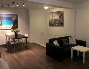 Cosy apartment in the center with a FREE PARKING PER REQUEST, Apartmány  Eindhoven - big - 7