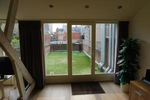 Cozy & spacious 2-level loft with a FREE PARKING per request, Apartments  Eindhoven - big - 1