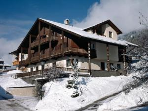 Garni Ingrid, Bed and Breakfasts  Dobbiaco - big - 21