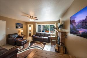 Voyager, Holiday homes  Oakhurst - big - 2