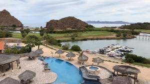 Marina Punta Nopolo, Ferienwohnungen  Loreto - big - 13